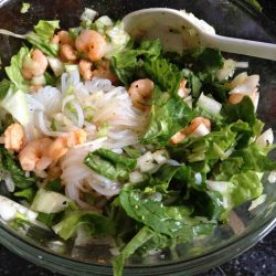 Shrimps and salad greens